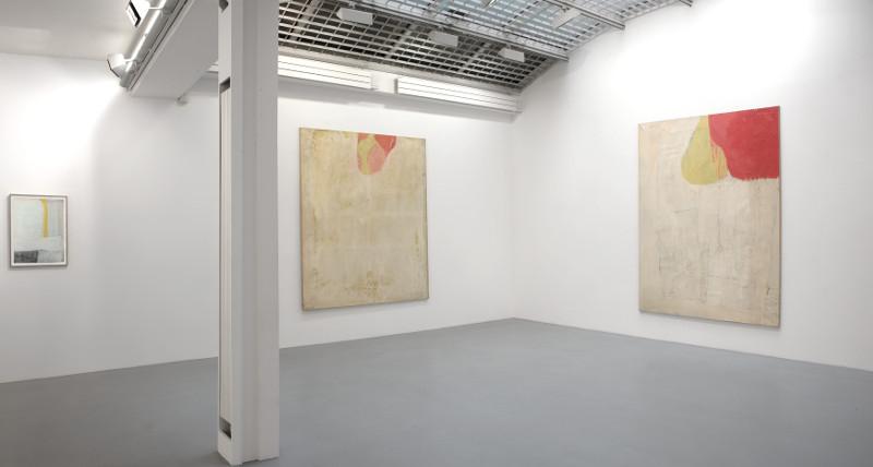 """Michel Parmentier - Avant les Bandes : Vue de l'exposition Michel Parmentier """"Avant les bandes 1962 – 1965"""" à la galerie Jean Fournier, 2014 © Alberto Ricci"""