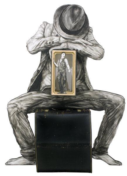 Street Art Generations : LEVALET -UN SOUFFLE AU COEUR,2015. Encre sur papier contrecollé sur bois découpé avec objets. H.125 x L.91 x P.25 cm.