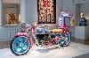 Grayson Perry. Vanité, identité, sexualité : Vue de l'exposition, Kenilworth AM1, 2010 Custom-built motorcycle © Monnaie de Paris / Martin Argyroglo