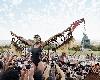 L'Envol, ou le rêve de voler : Sethembile Msezane, Chapungu - The Day Rhodes Fell, 2015, photographie couleur © Sethembile Msezane. Courtesy collection particulière